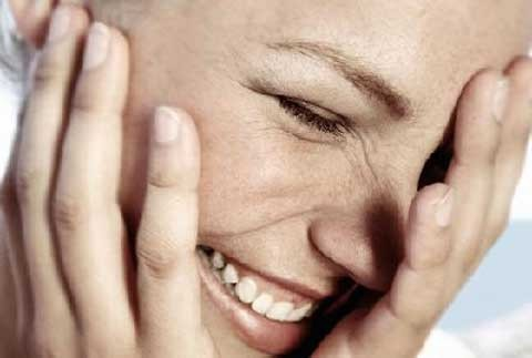 cropped-women-laughing23.jpg