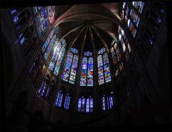 776px-St_Denis_Choir_Glass