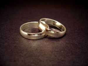 Marriages-Fare-Better-When-Couple-Befriend-Other-Married-Couples-2