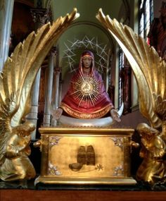Beautiful monstrance at St. Stanislaus in Chicago. Mary is the Ark of the New Covenant