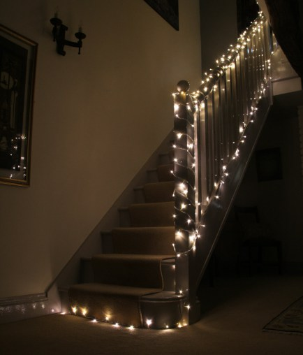 Staircase-Fairy-Lights-3