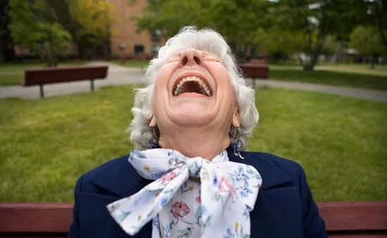 old-woman-laughing